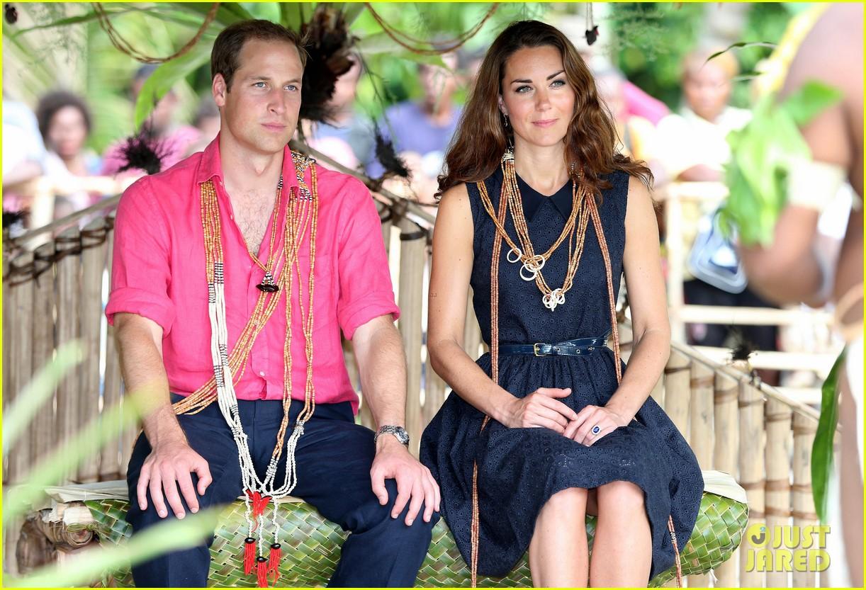 prince-william-duchess-kate-tavanipupu-island-visit-09