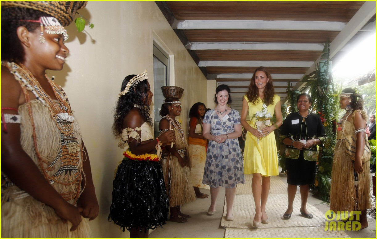 prince william duchess kate tavanipupu island visit 112723485