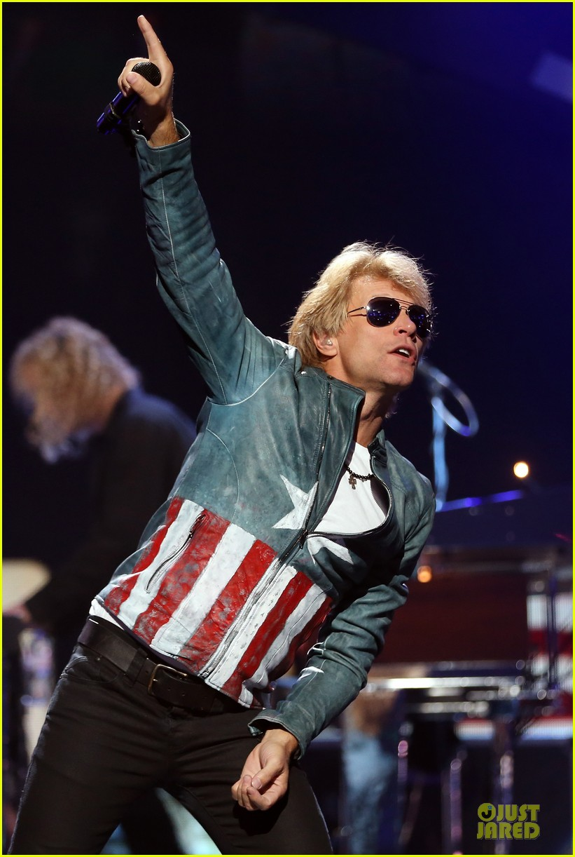 miley cyrus bon jovi rock iheartradio duo 242726070