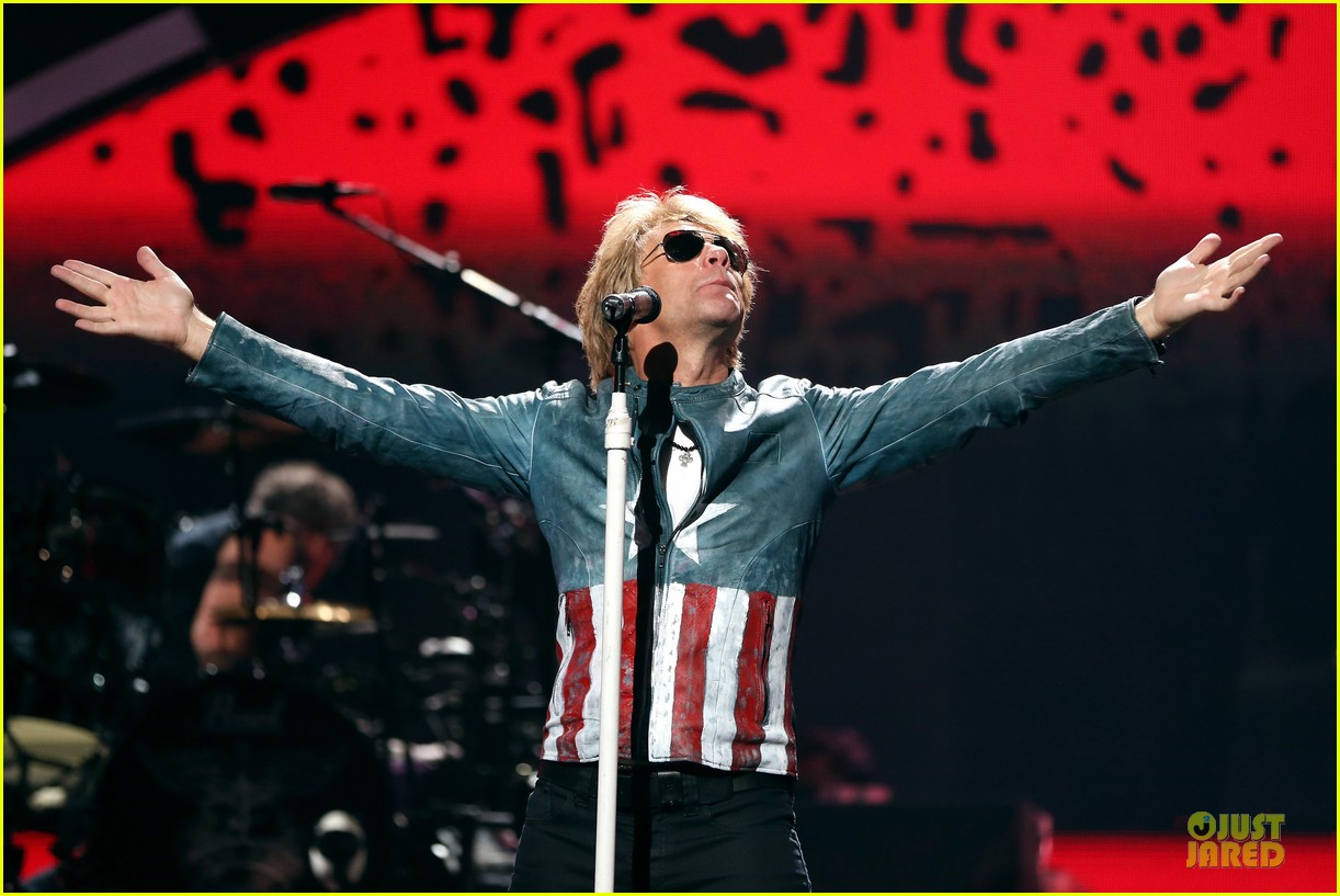 miley cyrus bon jovi rock iheartradio duo 422726088