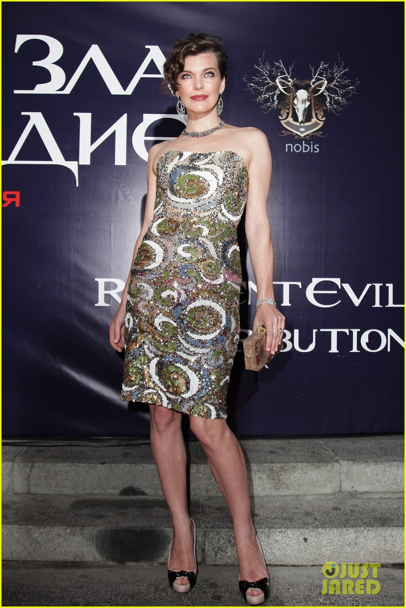 milla jovovich resident evil moscow premiere 01