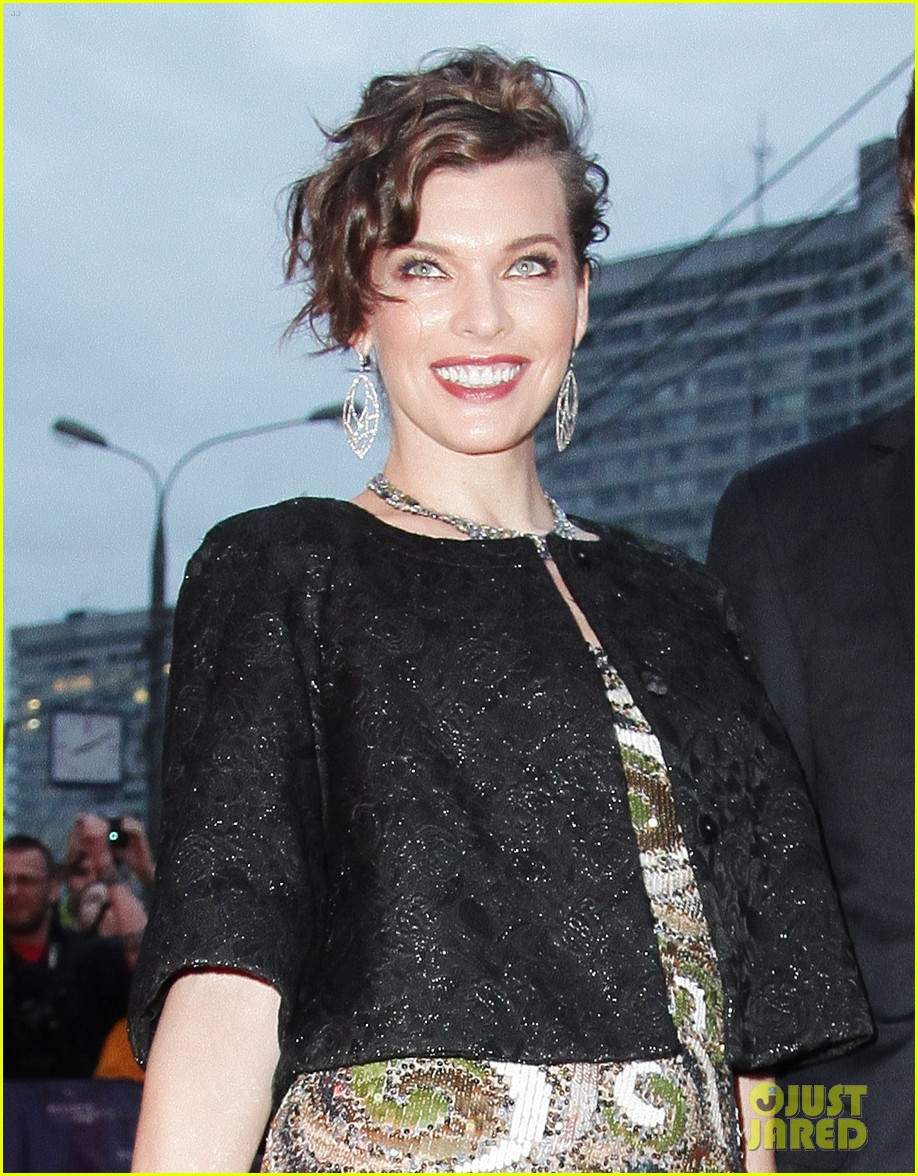 milla jovovich resident evil moscow premiere 022716338
