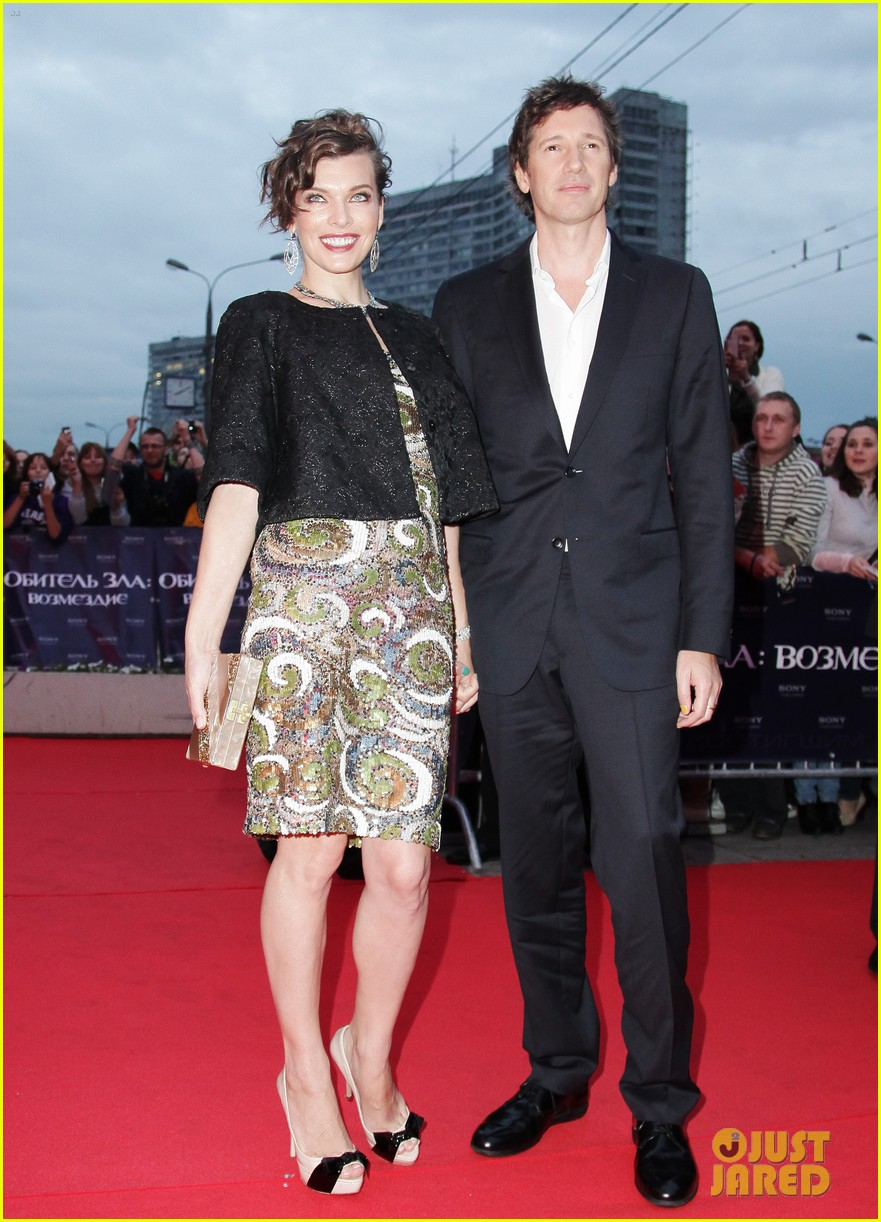 milla jovovich resident evil moscow premiere 042716340