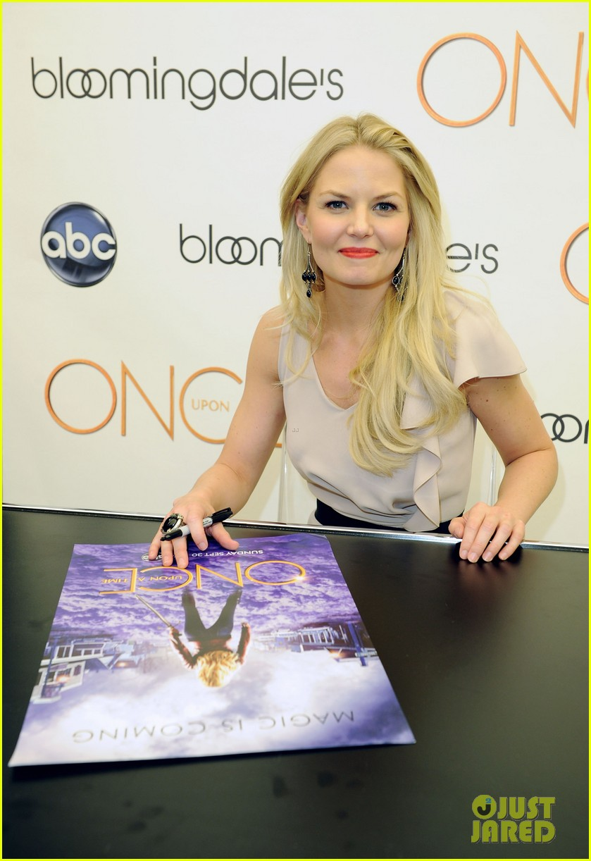 jennifer morrison bloomingdales once upon a time promo 102729800