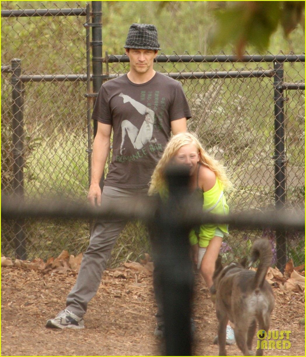 stephen moyer dog park with lilac 062729050