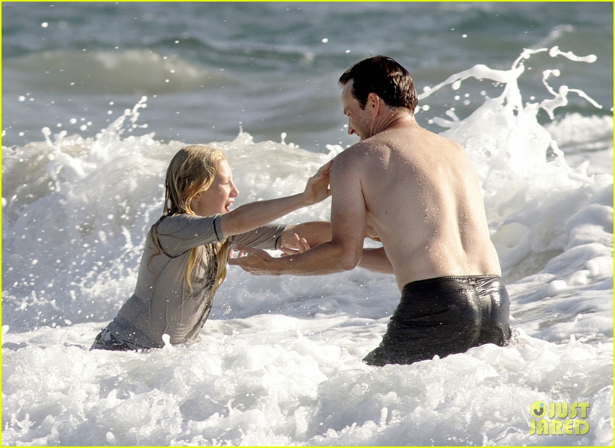 stephen moyer shirtless in venice beach 032730378