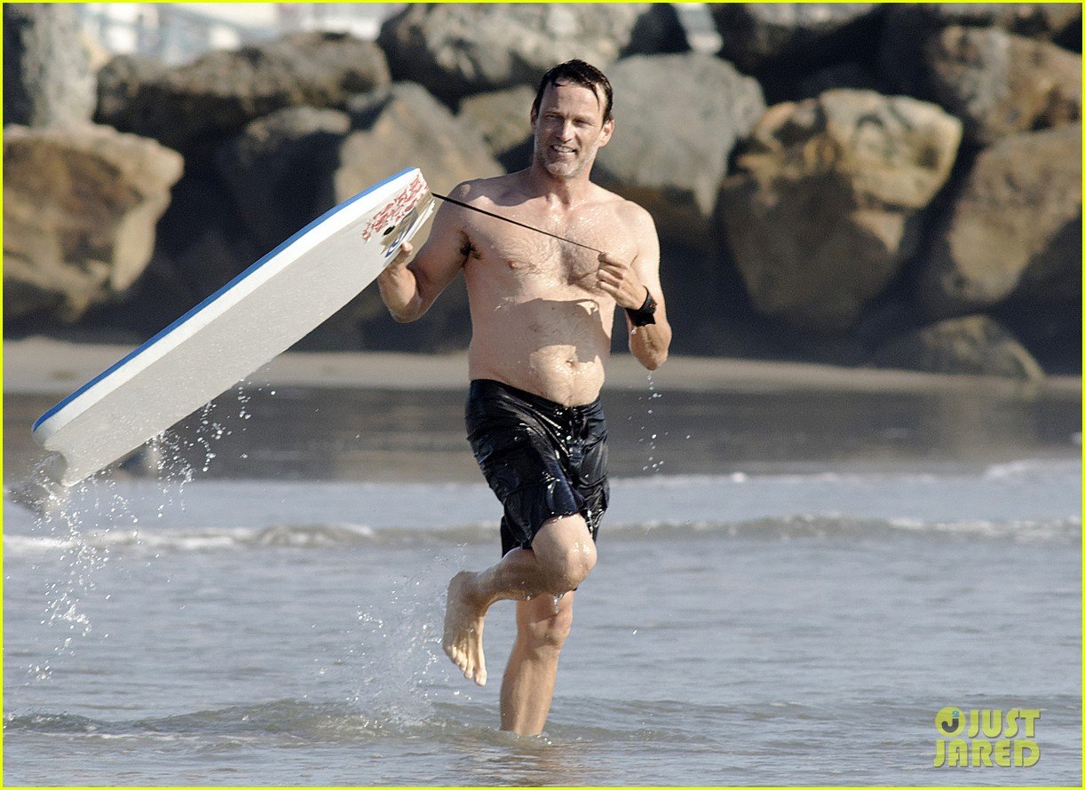 stephen moyer shirtless in venice beach 072730382