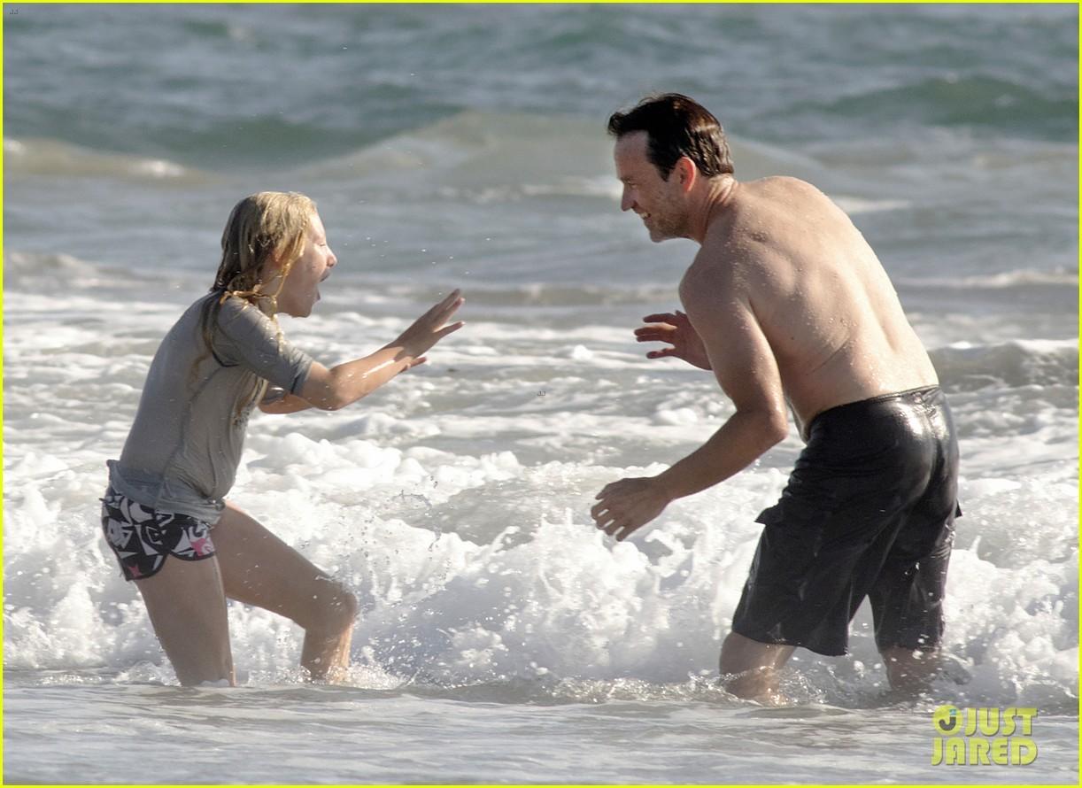 stephen moyer shirtless in venice beach 132730388