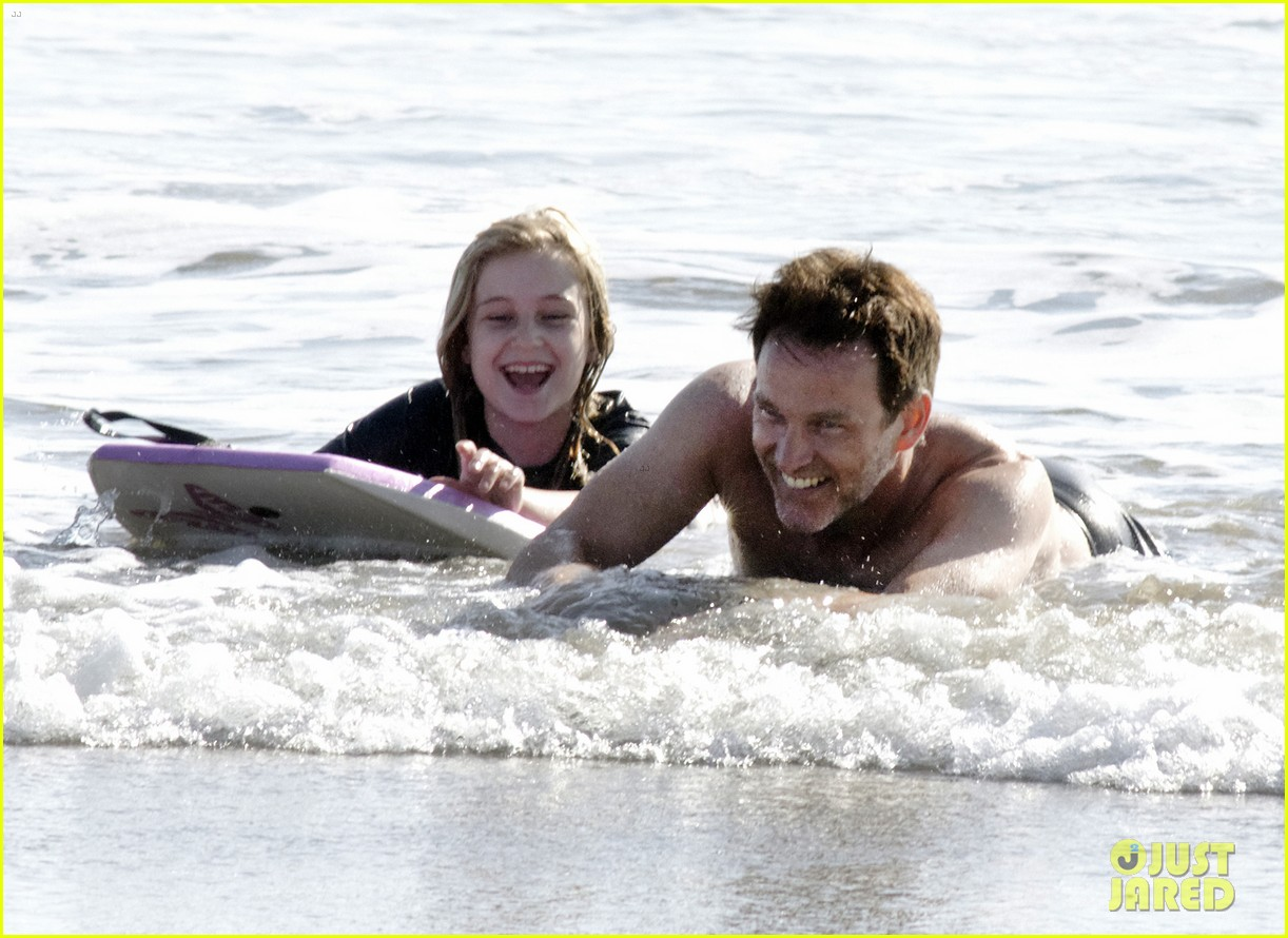 stephen moyer shirtless in venice beach 19