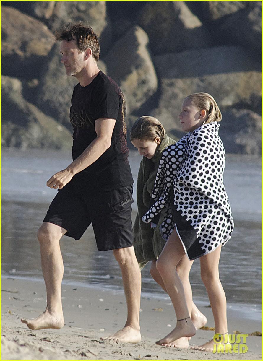 stephen moyer shirtless in venice beach 222730397