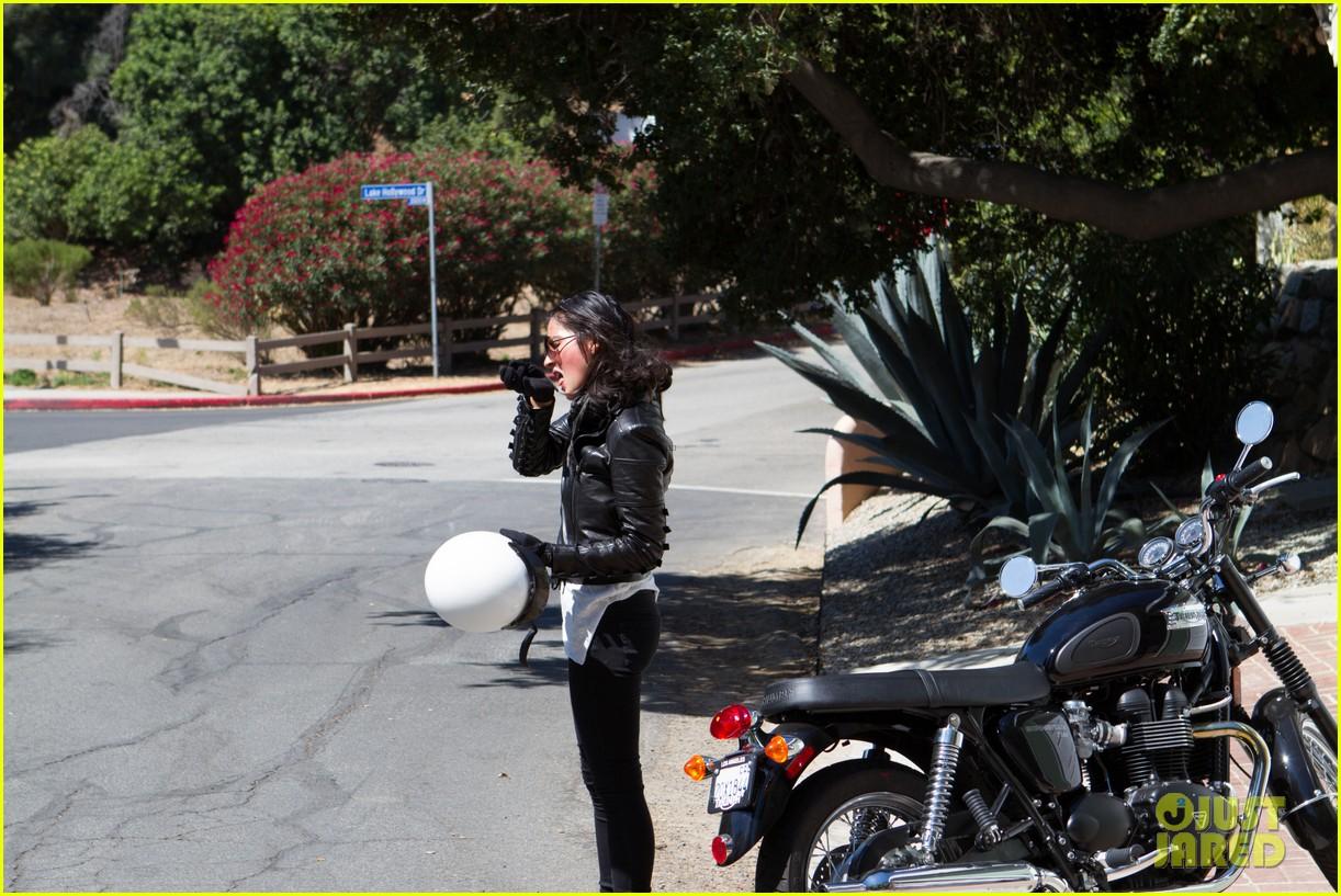 olivia munn biker babe 082717638