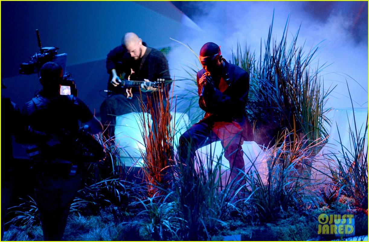 frank oceans mtv vmas performance 2012 watch now 012715796