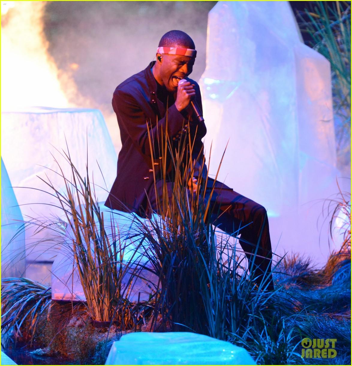 frank oceans mtv vmas performance 2012 watch now 032715798