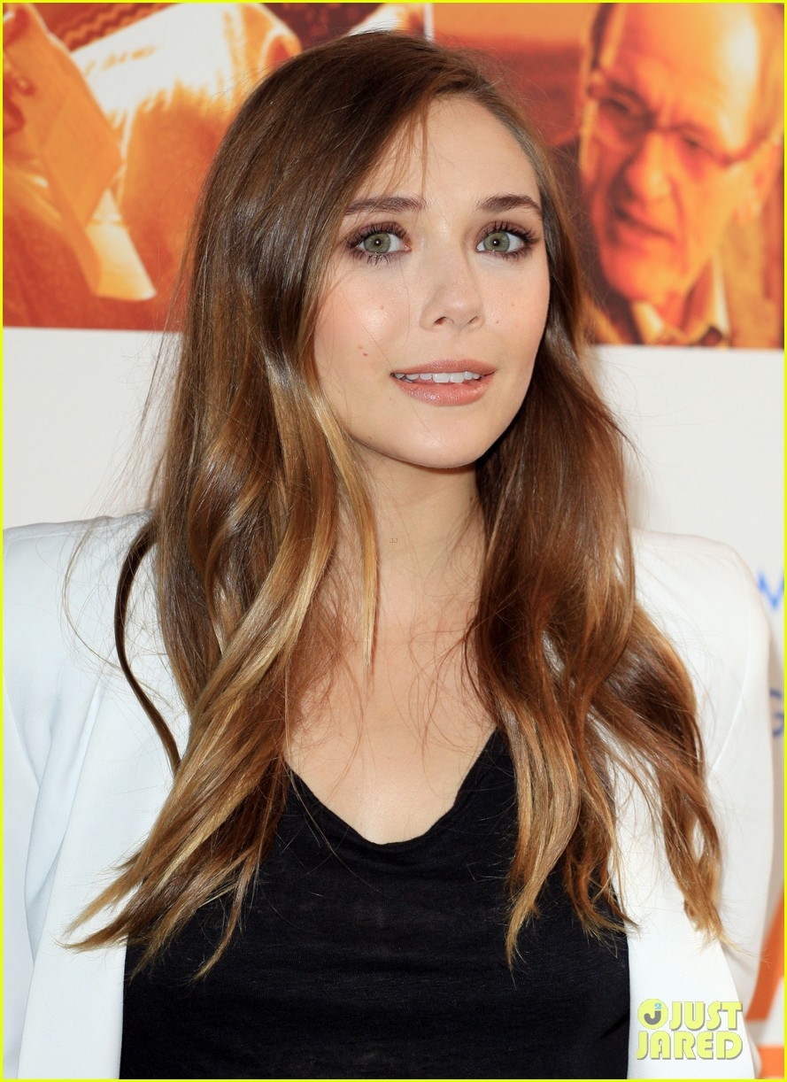 elizabeth olsen liberal arts photo call 02