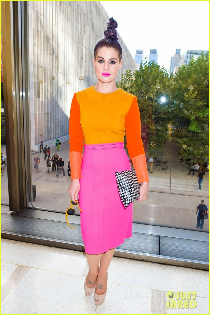 kelly osbourne hailee steinfeld chris benz fashion show 26