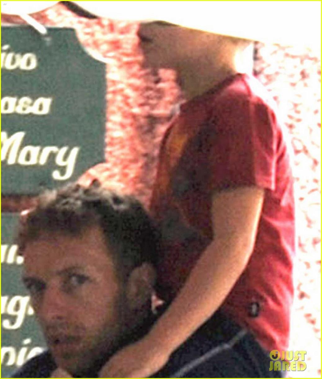 gwyneth paltrow chris martin portofino with the kids 022730355