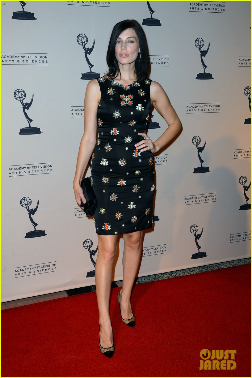 jessica pare michelle dockery atas emmy awards reception 01
