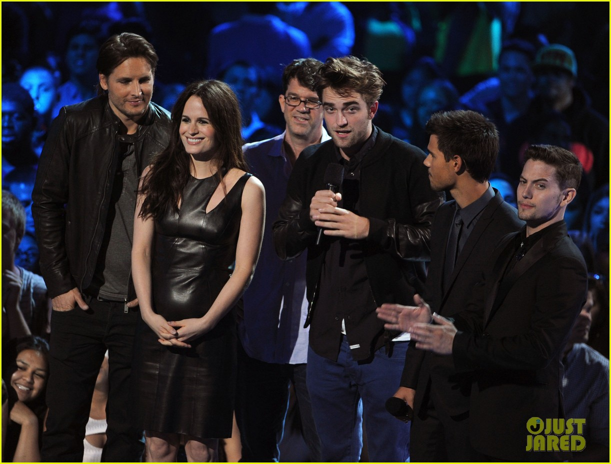 robert pattinson taylor lautner twilight at mtv vmas 012715973
