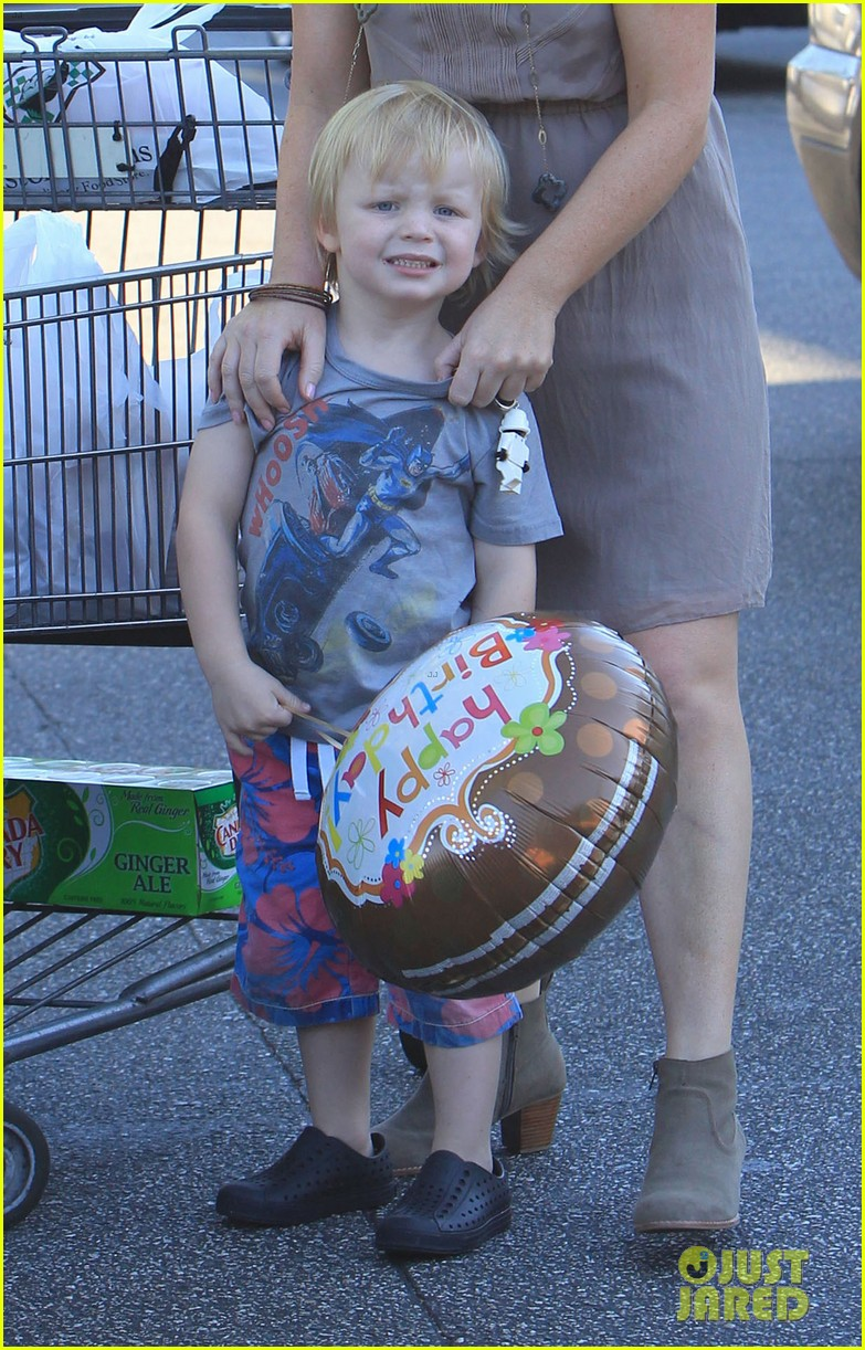 poehler birthday balloons 102713177