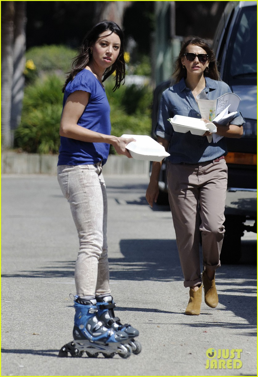amy poehler rashida jones new parks recreation this week 10