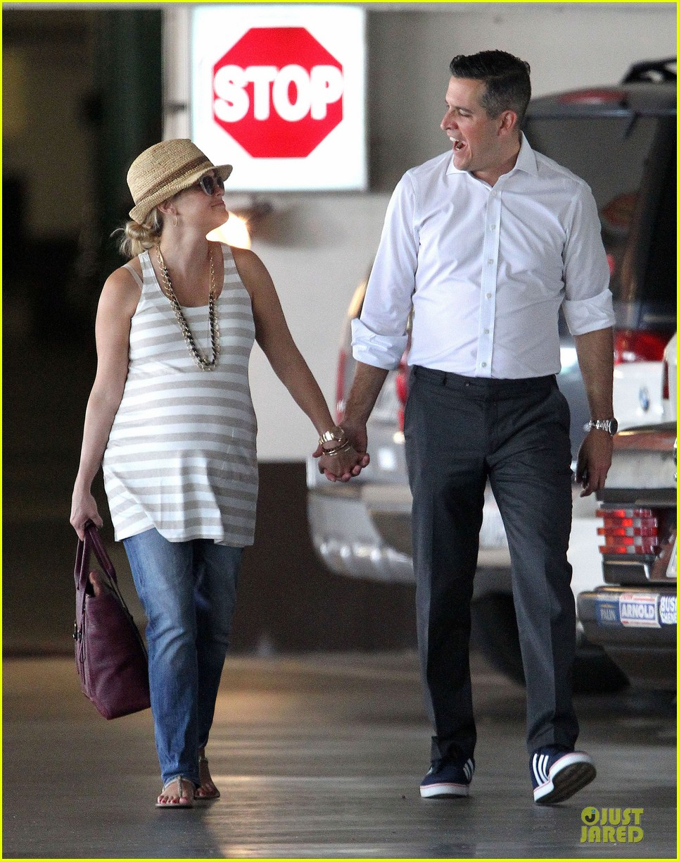 reese witherspoon hospital checkup with jim toth 082725803