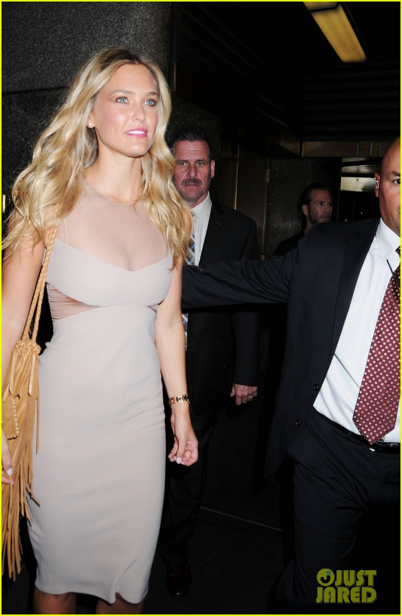 bar refaeli late night with jimmy fallon visit 02