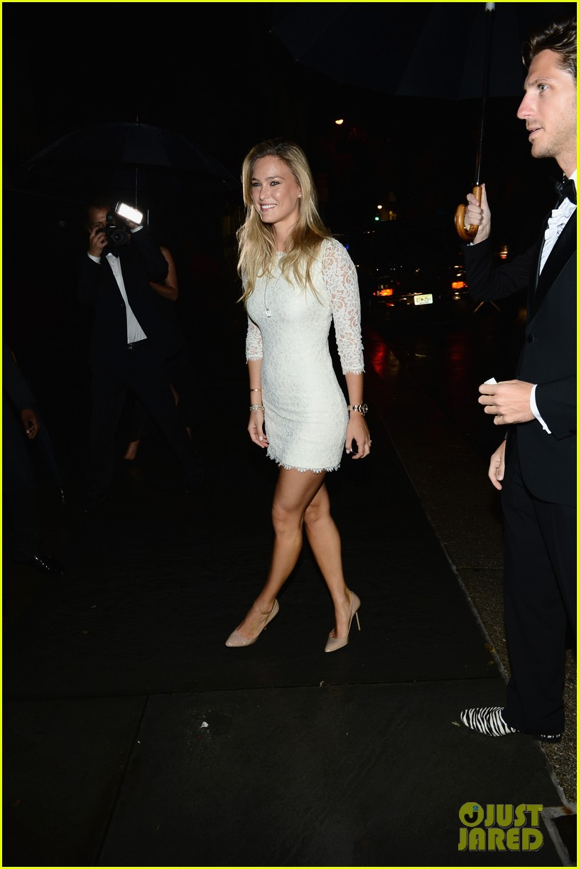 bar refaeli kate upton cr fashion book magazine launch 012718015