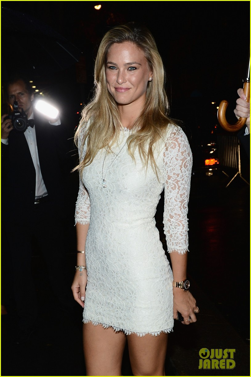 bar refaeli kate upton cr fashion book magazine launch 032718017
