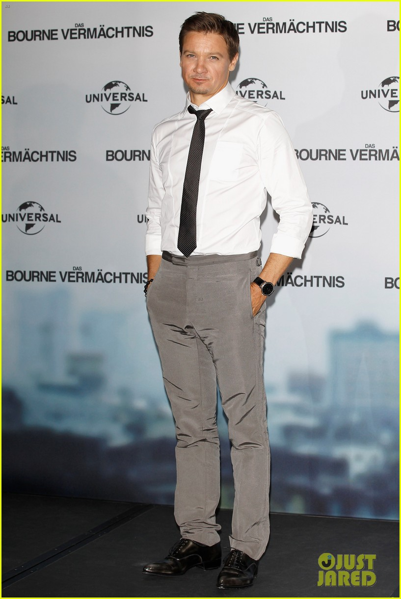 jeremy renner bourne legacy berlin photo call 012713325