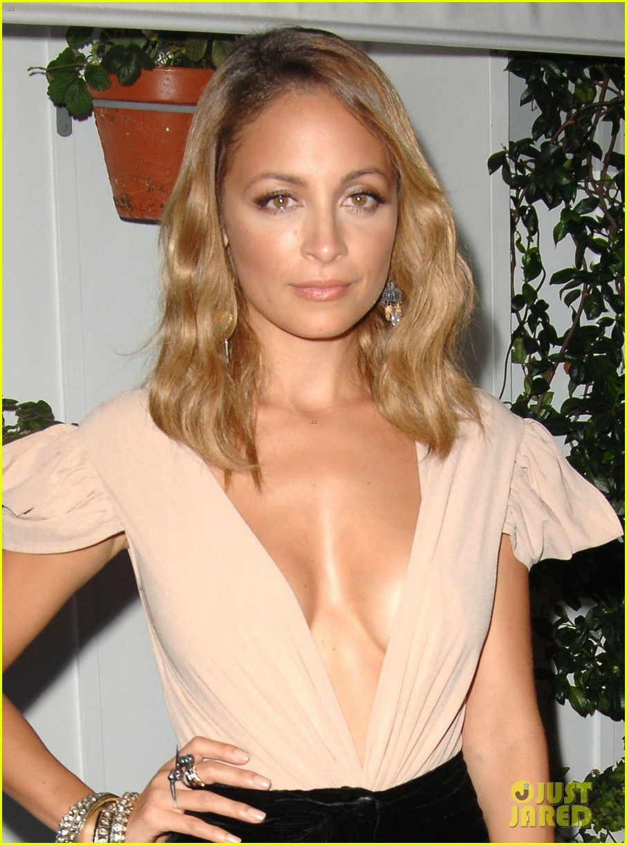 nicole richie dujour magazine cover party 022722669