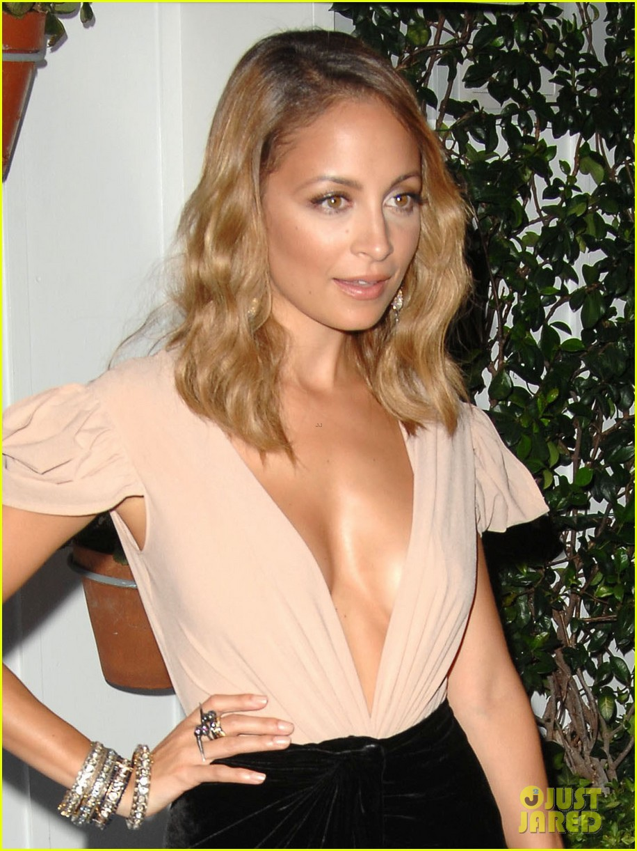nicole richie dujour magazine cover party 04