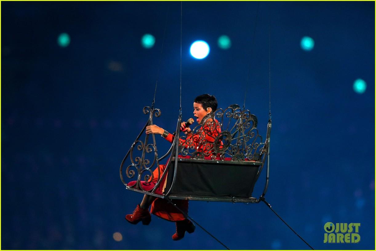 rihanna paralympics closing ceremony 082718084
