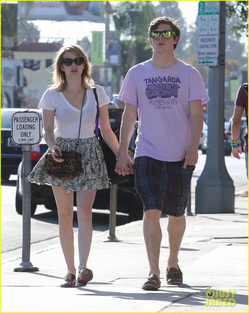 emma roberts evan peters holding hands on melrose 062725514