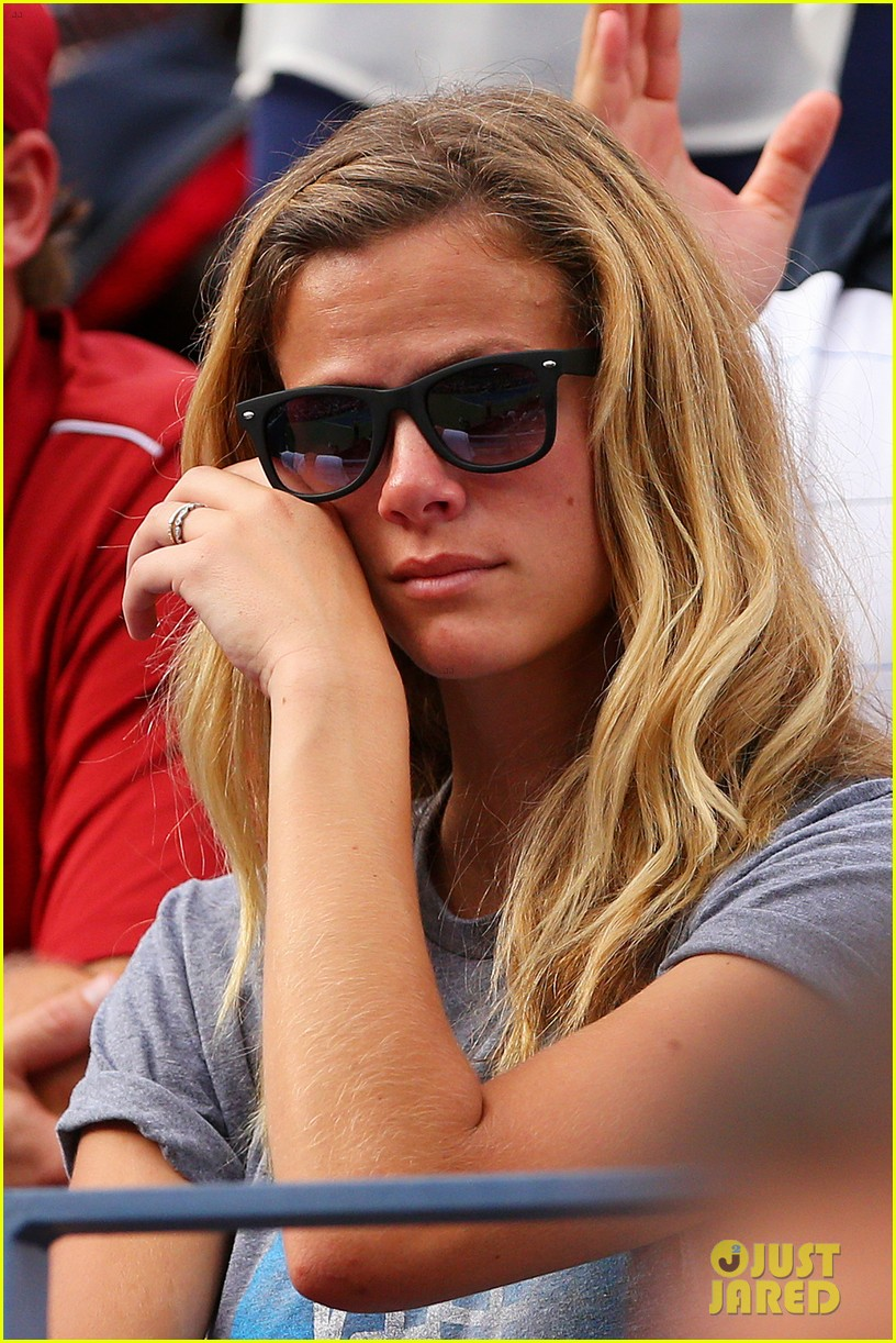 andy roddick plays final tennis match brooklyn decker cries 042714611