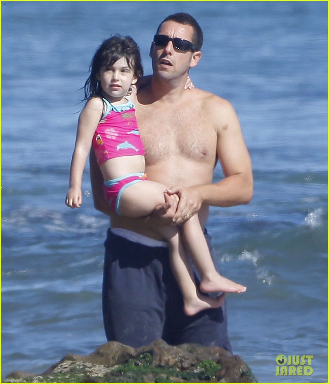 adam sandler shirtless beach time with sadie sunny 27