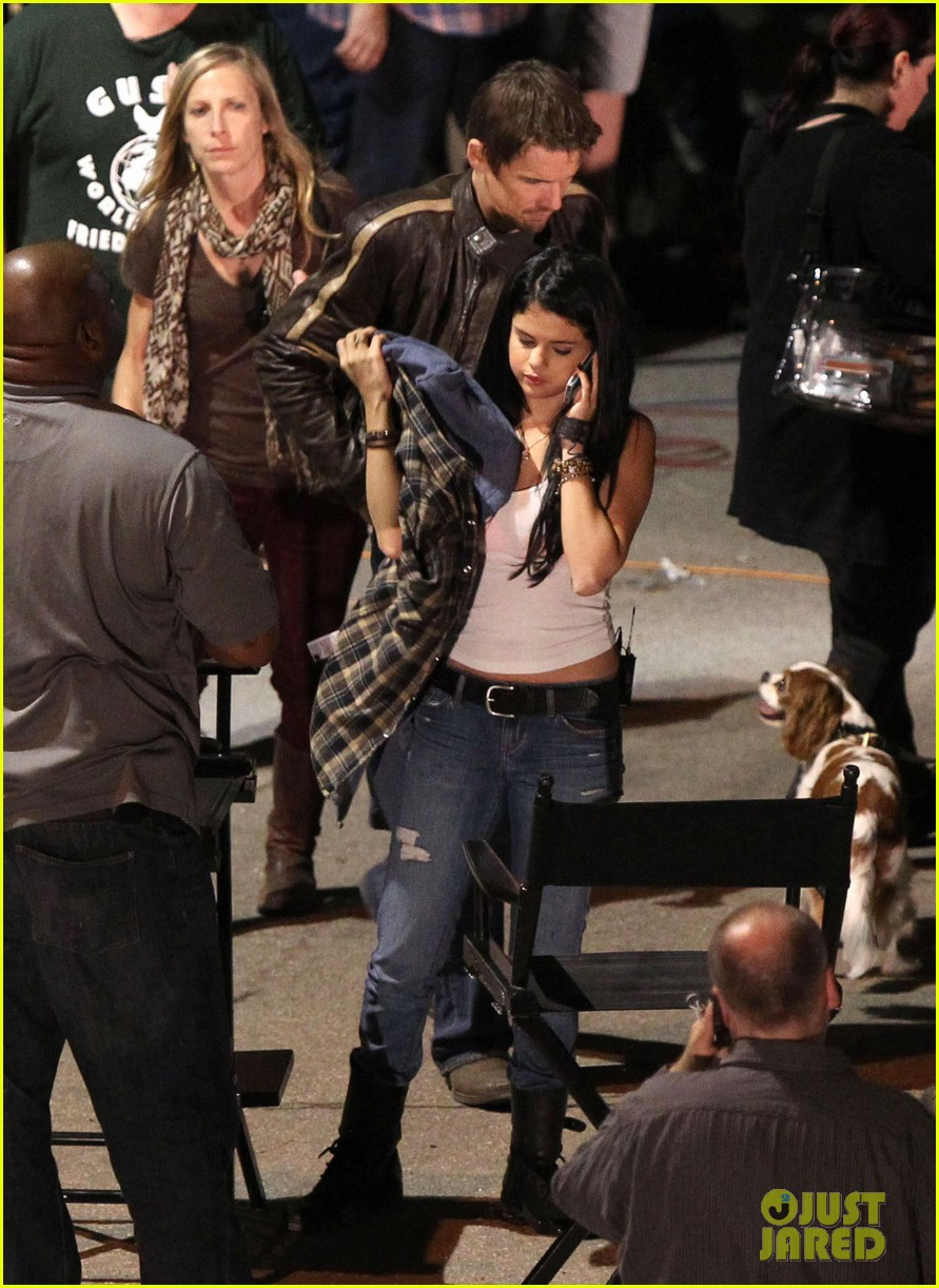 ashley tisdale the getaway set with selena gomez 04