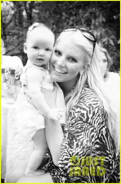 jessica simpson shares baby maxwell photos 012725211