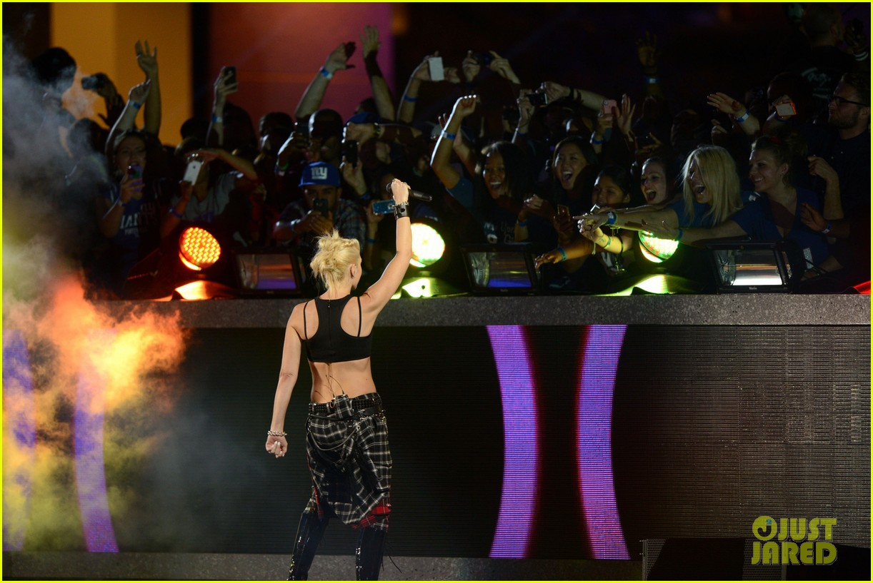gwen stefani no doubt perform at nfl kick off concert 26