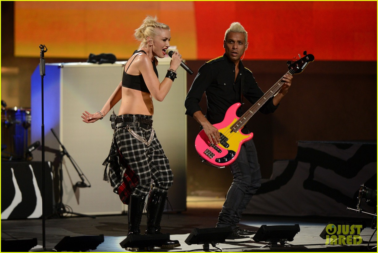 gwen stefani no doubt perform at nfl kick off concert 38