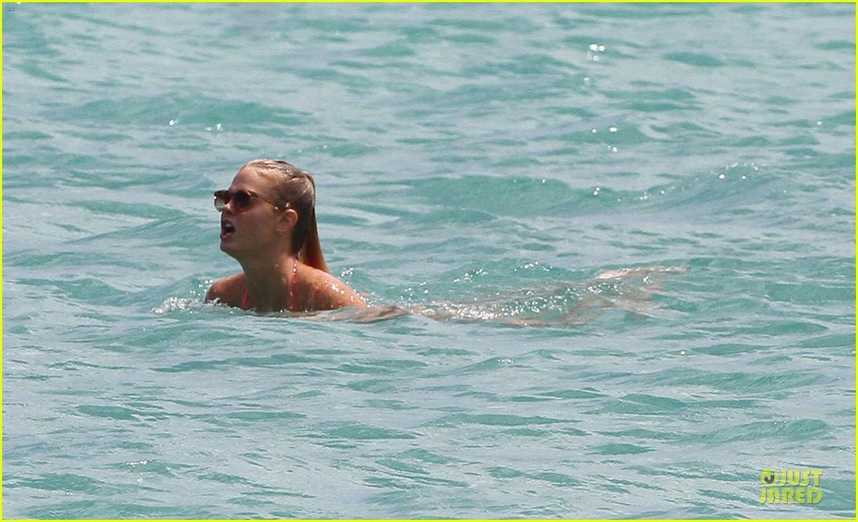erin heatherton candice swanepoel bikini bods miami 122719884