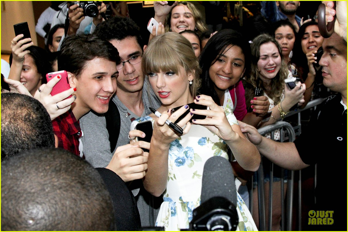 taylor swift i love brazil 172721236