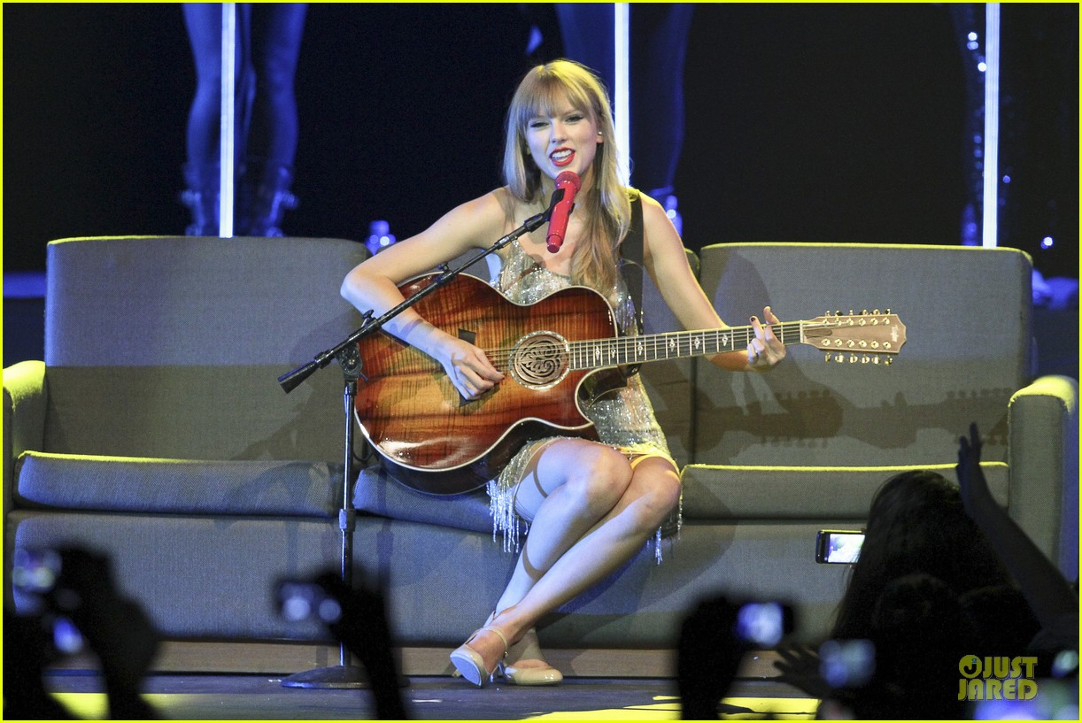 Full Sized Photo of taylor swift perfornance in brazil 25 ...