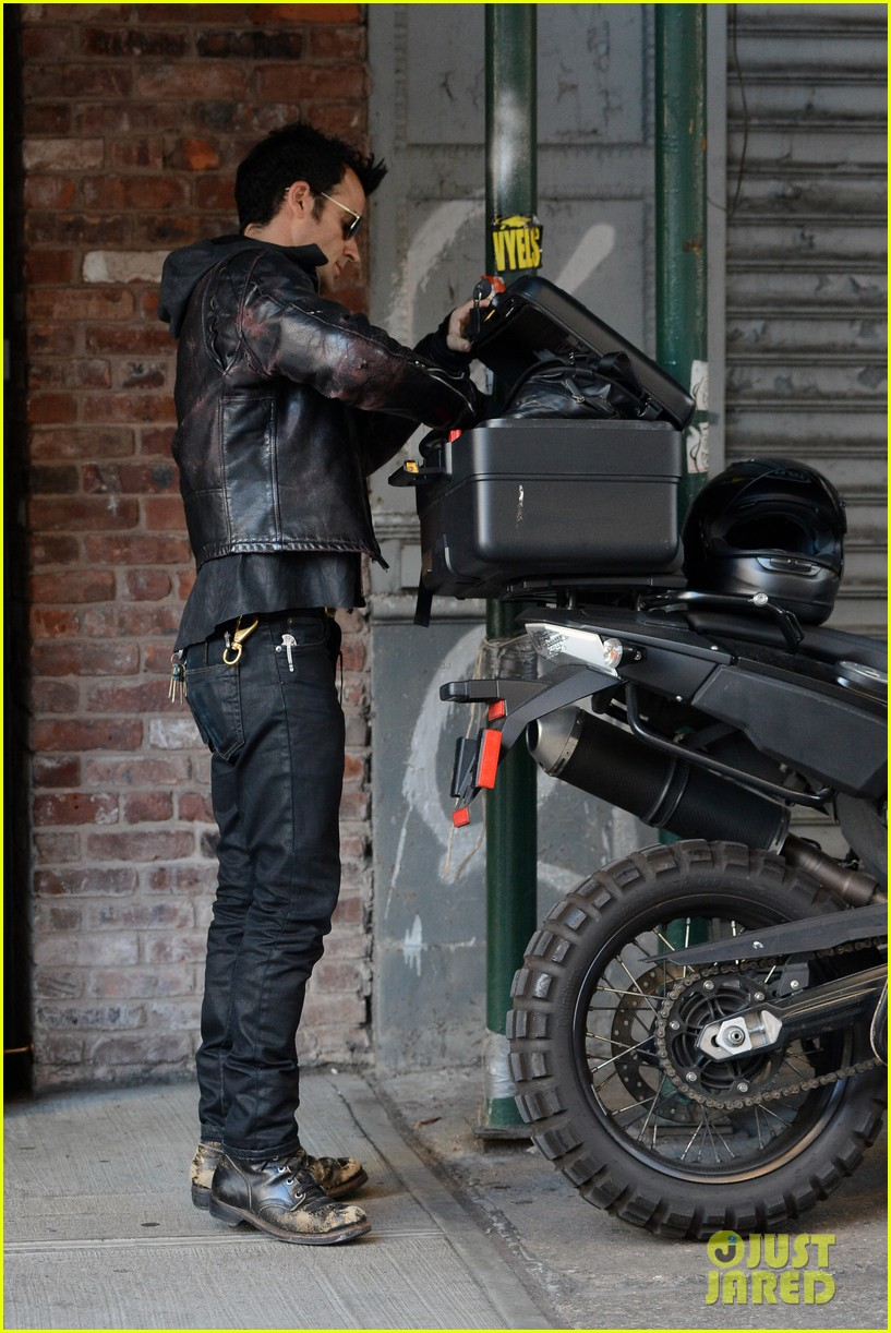 justin theroux manhattan motor man 052718918