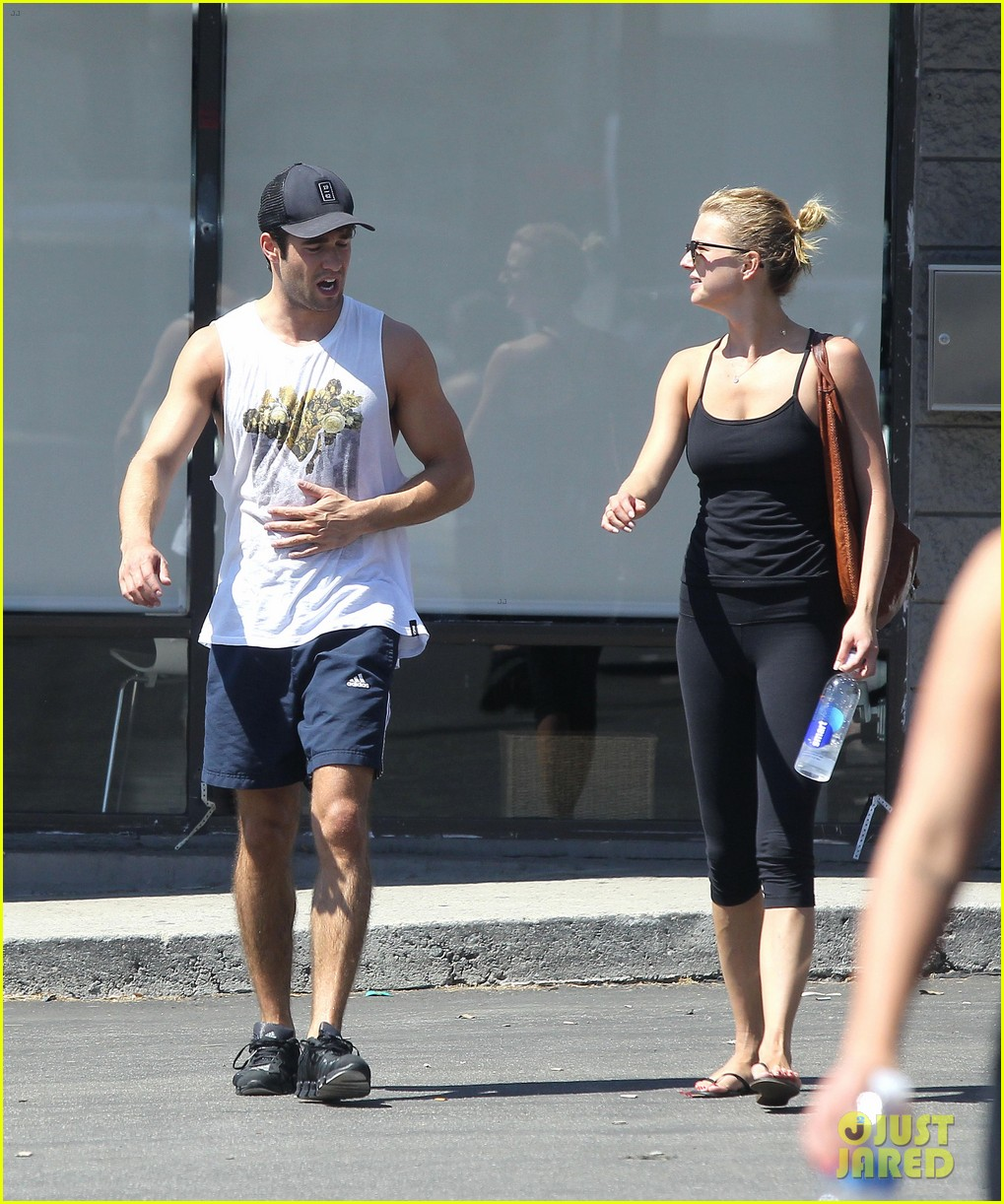 emily vancamp josh bowman watch revenge on netflix 072722552
