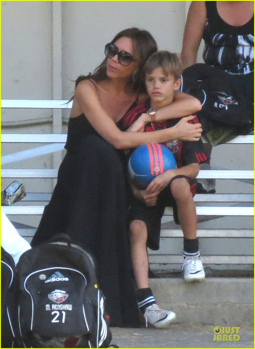 victoria beckham sons soccer game 032730797