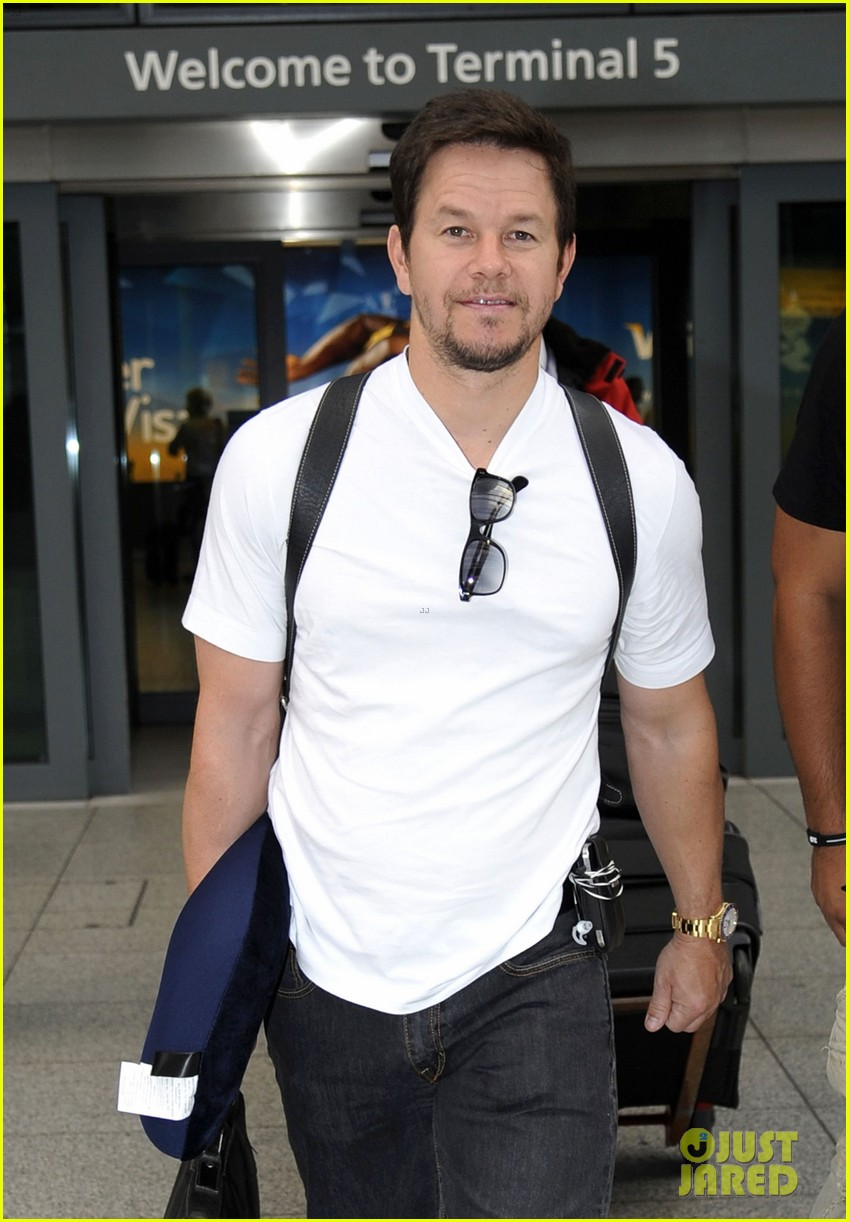 mark wahlberg ted premiere in holland 062720425