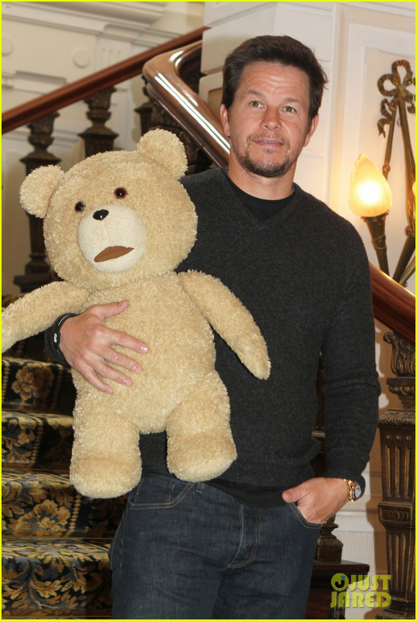 mark wahlberg ted premiere in holland 112720430