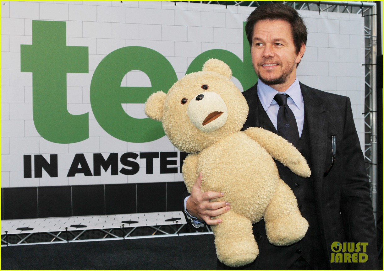 mark wahlberg ted premiere in holland 17