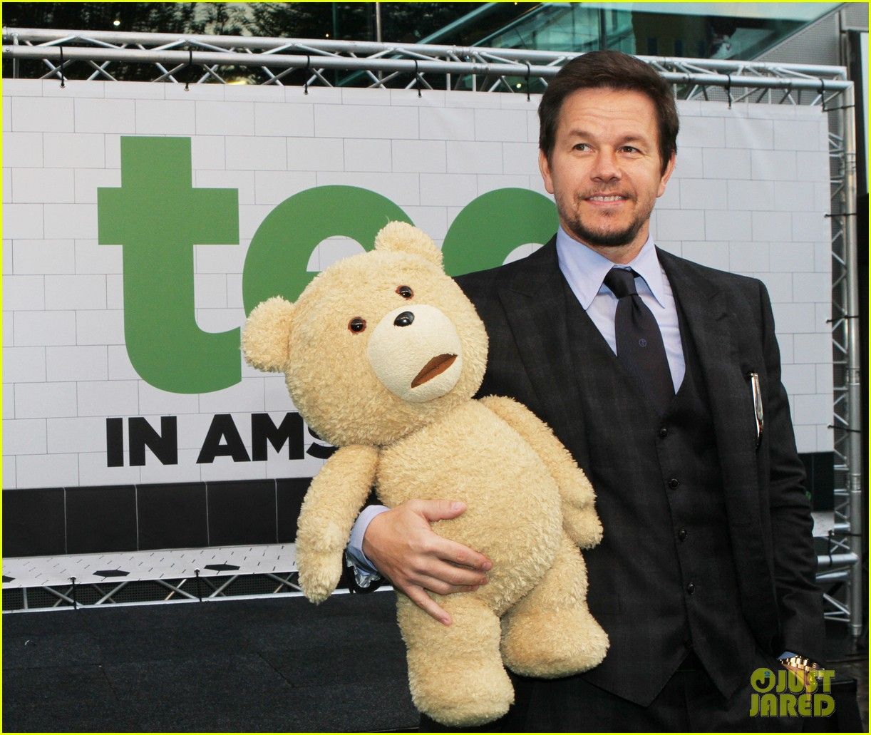 mark wahlberg ted premiere in holland 202720439