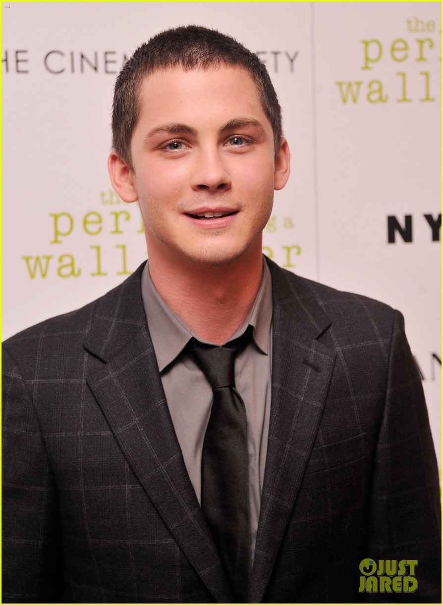 emma watson logan lerman perks screening in nyc 13